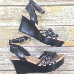 67f790fcd58 Ugg Farrah black wedge sandals size 8